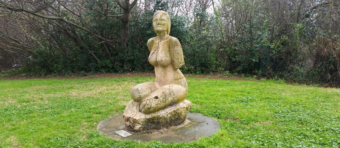 גן פסלים בהגושרים מלון בטבע